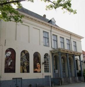 El museo Arentshuis de Brujas es también de interés.
