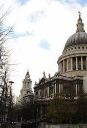 Vista de la hermosa cúpula de San Pablo de Londres.