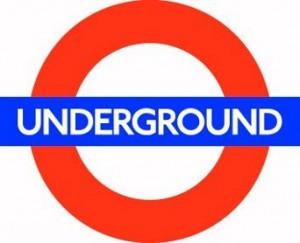 Lo más usado como medio de transporte en Londres es el metro, que también se le llama underground o tube.