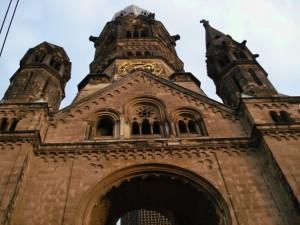 Hay mucho qué ver en Berlín, una ciudad que sorprende al viajero por todo lo que ofrece tanto a nivel arquitectónico y monumental, como a nivel cultural e histórico