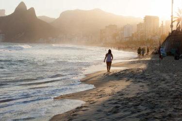 En la fantástica playa de Leblon suelen disfrutar de ella los cariocas que viven por el barrio