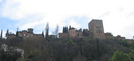 Preciosa vista de la Alhambra de Granada desde el Sacromonte