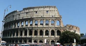 El majestuoso Coliseo, quizás el monumento más emblemático de Roma