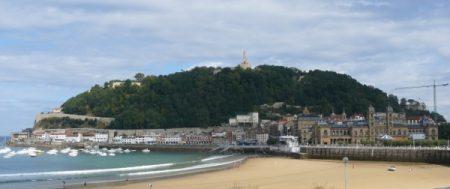 La bella ciudad de San Sebastián y el Monte Urgull