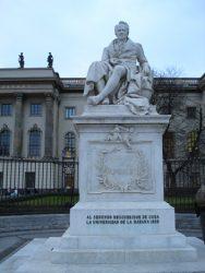 Estatua dedicada a Alexander Humboldt