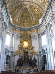 En el interior de la basílica se dan en ocasiones las audiencias papales