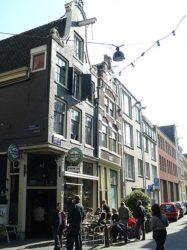 Otro antiguo y encantador Café, el De Nieuwe Lelie