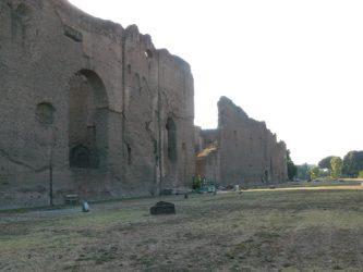 Parte exterior en ruinas de las Termas de Caracalla