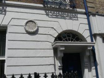 La casa que vio nacer al genial escritor Oscar Wilde.