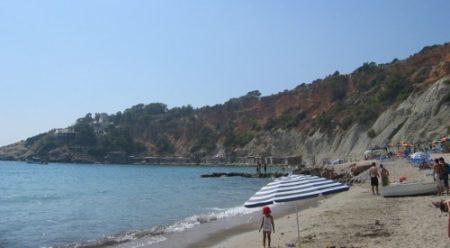 EL clima es benigno e invita a disfrutar de sus playas.