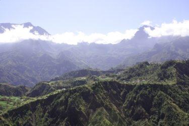 Portada de nuestra Guía de Isla de la Reunión, destino de maravillosos parajes naturales