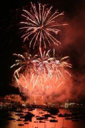 Los fuegos artificiales forman parte de muchas fiestas y celebraciones en Ibiza.