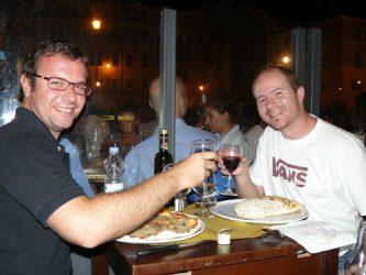 En Roma se puede comer bien y beber vino italiano a buen precio