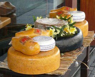 Los tradicionales quesos holandeses son parte importante en su gastronomía