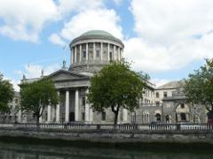 Dublín conserva aún buenos ejemplos de arquitectura medieval, victoriana y georgiana.