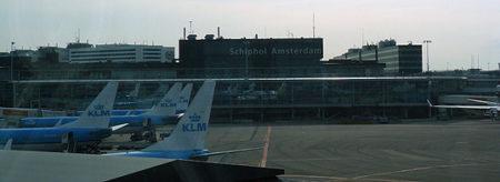 Schiphol Amsterdam es el enorme aeropuerto de la capital holandesa