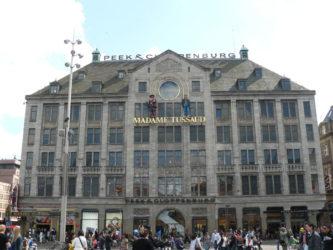 La fachada del Madame Tussaud´s junto al Palacio Real