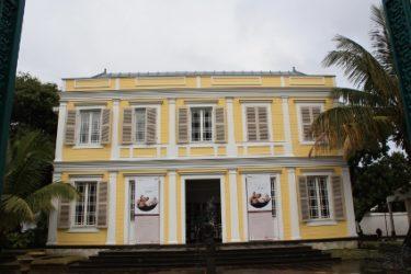Acercarse a alguno de los museos en Isla de la Reunión es una interesante forma de conocer la historia y detalles de este bonito lugar.