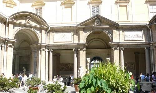 Patios de los Museos Vaticanos