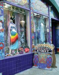 En el barrio Hippie encontramos curiosas tiendas y establecimientos