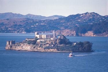 La prisión de Alcatraz es muy famosa y también conocida como la roca.