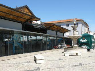 La Praca do Peixe o plaza del pez, donde se vende el pescado fresco durante el día.
