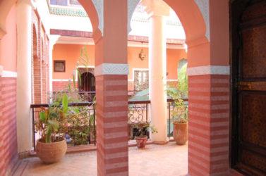 Los interiores de los riad son de gran belleza y una buena elección para donde dormir en Marrakech