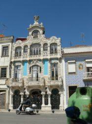 El museu de Arte Nova está ubicado en un emblemático edificio de Beira Mar.