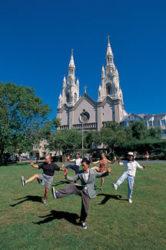 La tolerancia es una de las características principales de la ciudad, sus ciudadanos se reinventan así mismos continuamente.