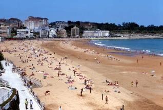 La playa del Sardinero es uno de los atractivos de la ciudad de Santander
