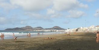 La preciosa playa de las Canteras de Las Palmas de Gran Canaria