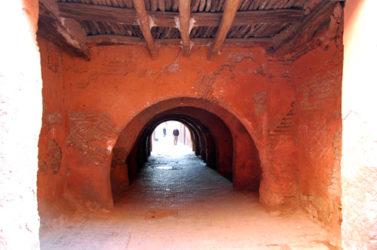 Caminar por las callejuelas de Marrakech es seguro generalmente.