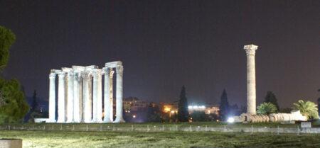 El Templo de Zeus visto de noche
