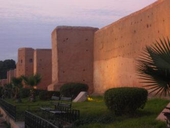Dependiendo de la luz, las murallas adquieren un color rojizo de mayor o menor intensidad