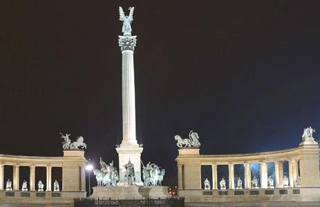 La plaza de los Héroes