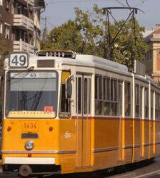 Imagen de un típico tranvía de Budapest, el mejor medio de transporte, en mi opinión.