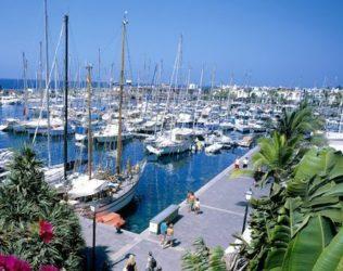 El bello Puerto de Mogán visto en perspectiva