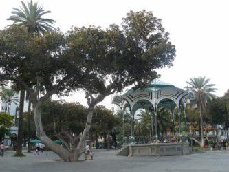 El bonito quiosco de la música en el parque de San Telmo