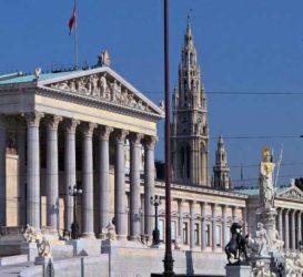 El Parlamento es uno de los edificios de importancia que hay en la importante avenida Ringstrasse.