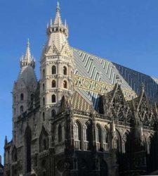 La catedral es hermosa se mire por donde se mire, su tejado, sus torres, todo el conjunto.