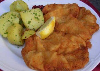 Uno de los platos principales de su gastronomía es el escalope vienés.